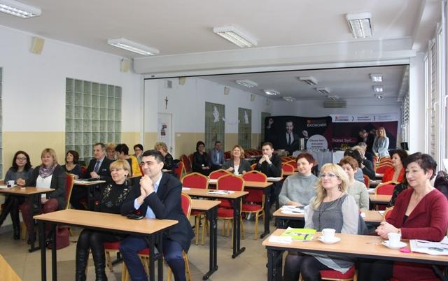 Przeglądasz zdjęcia z artykułu: Jubileusz Klubu Twórczych Dyrektorów Szkół Podstawowych