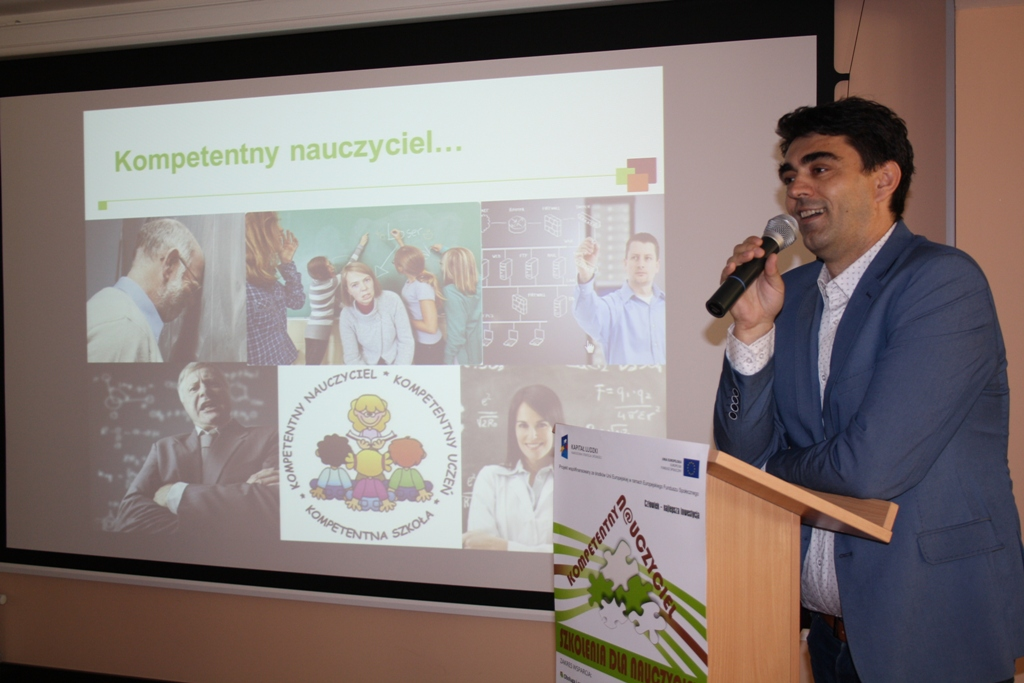Przeglądasz zdjęcia z artykułu: Zakończenie projektu KOMPETENTNY N@UCZYCIEL – kompleksowe wspieranie rozwoju szkoły