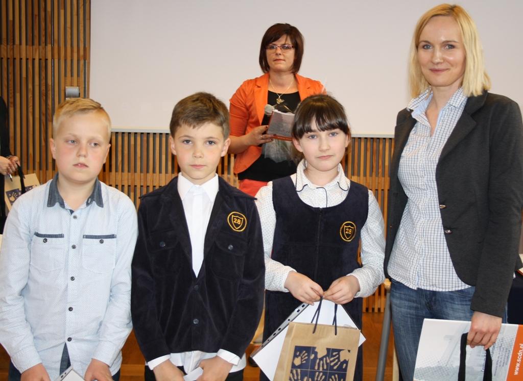 Przeglądasz zdjęcia z artykułu: I Wojewódzki Konkurs Języka Angielskiego dla uczniów klas III szkół podstawowych.