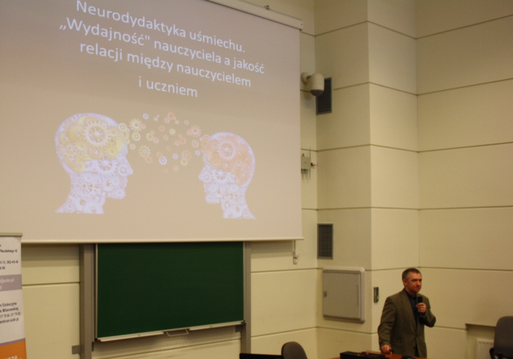 """Przeglądasz zdjęcia z artykułu: Konferencja pt. """"Rozszyfrować neurodydaktykę i sprawić, aby nauka była radosna i twórcza'"""